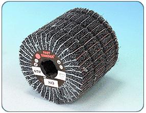 Csiszolóvászonnal kombinált spirális lamellás vlies henger - NSM